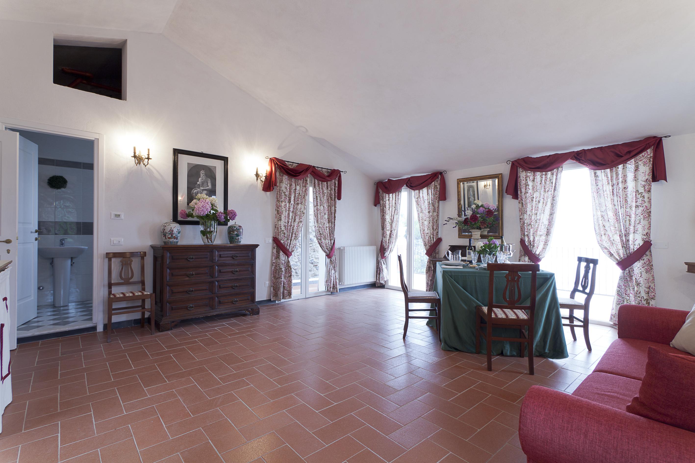 http://www.terrazzasulgolfo.it/wp-content/uploads/2016/02/Terrazza-sul-Golfo-1001.jpg